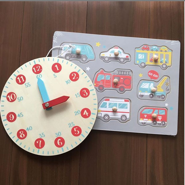 知育時計と型はめパズル