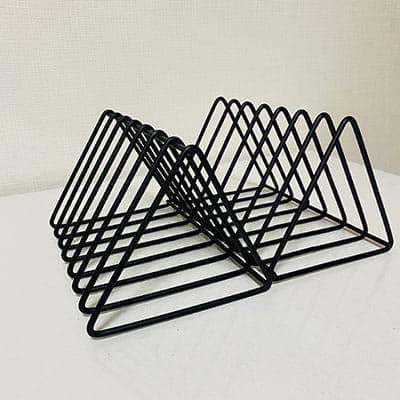 ダイソー ブックスタンド 三角型